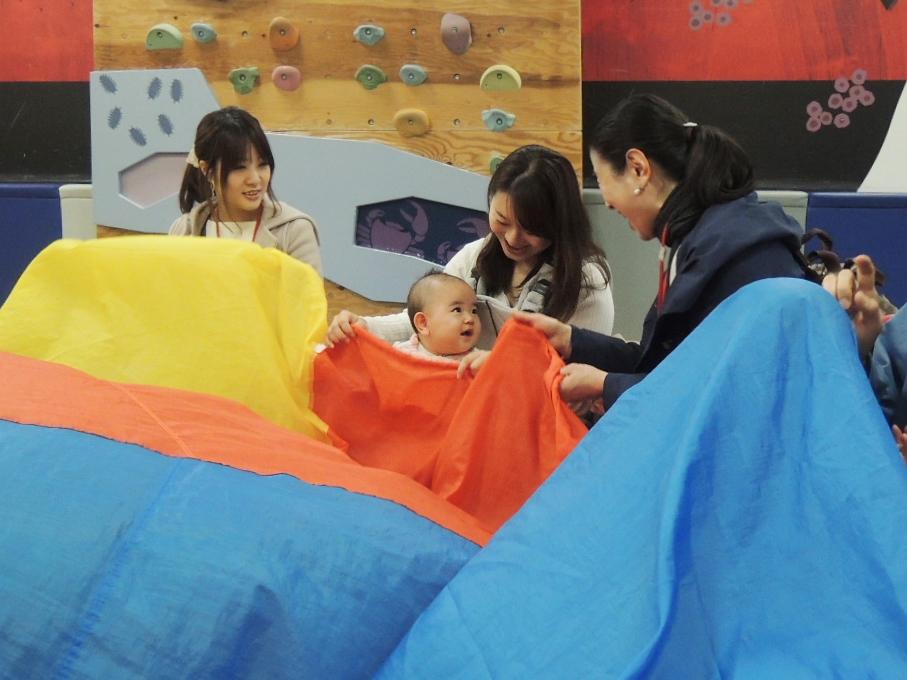 3月22日の赤ちゃんの日イベント「布あそび」のご報告