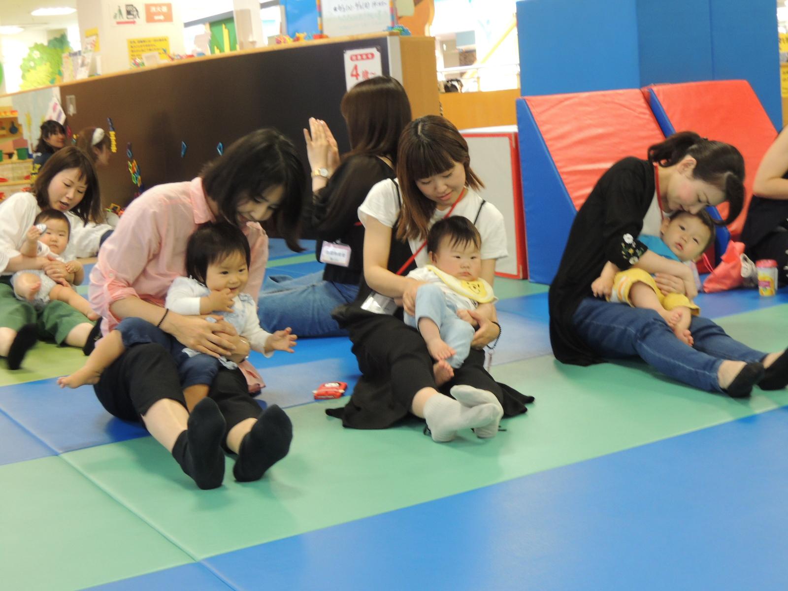5月22日(火)赤ちゃんの日イベントのご報告「ハイハイレース」
