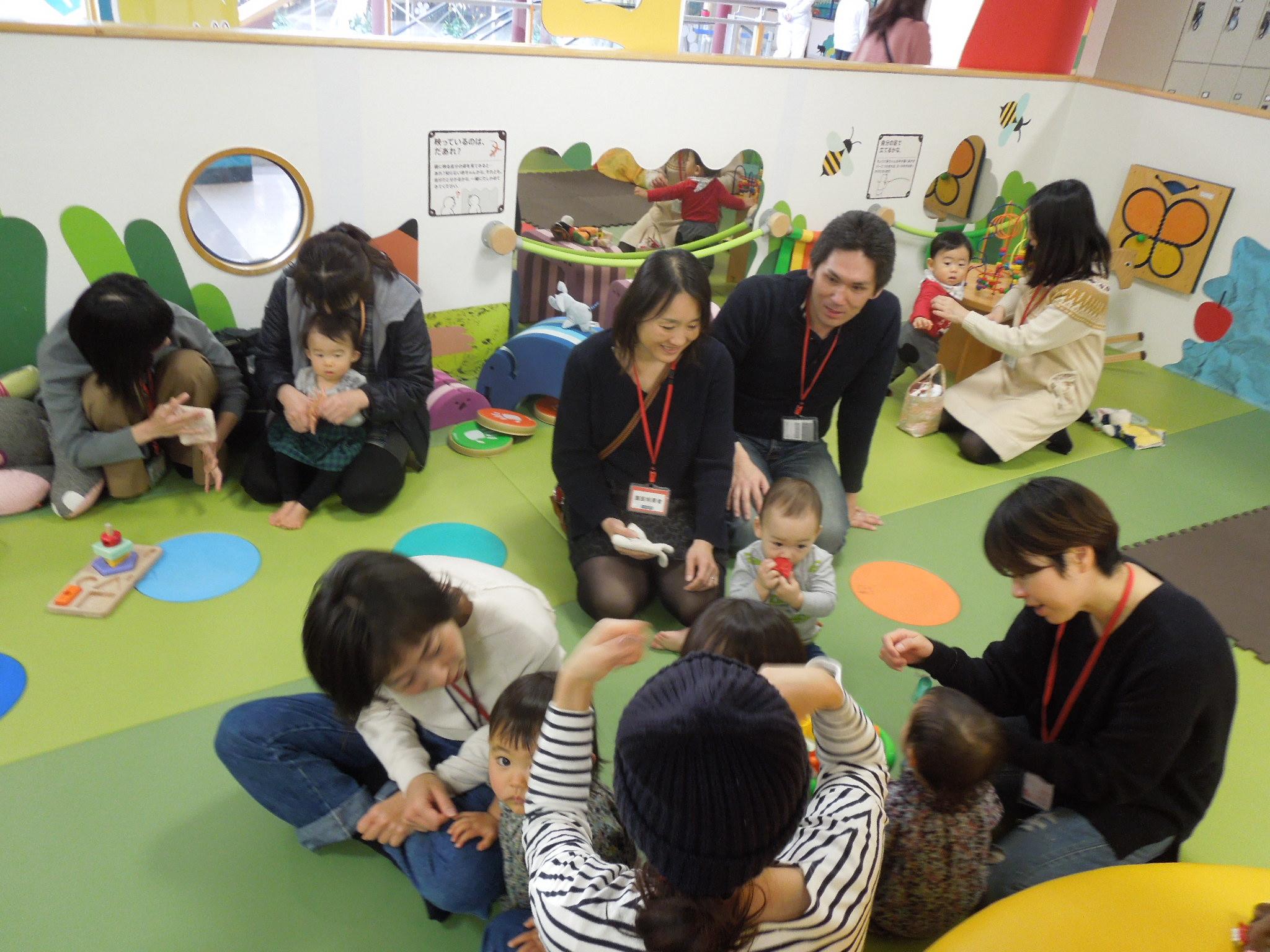 12月25日 赤ちゃんイベントのご報告(手形あそび)