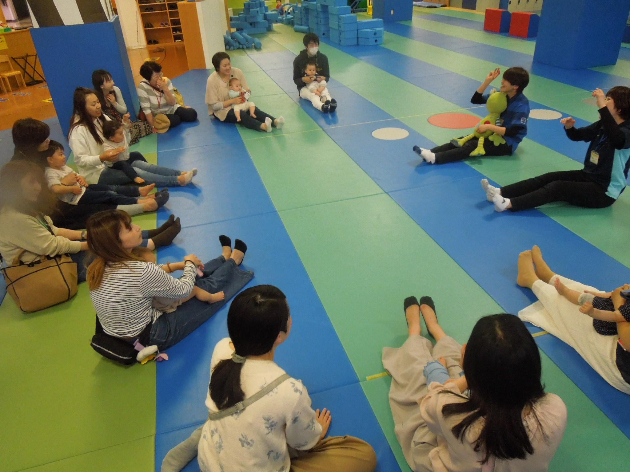 4/23(木) 赤ちゃんの日「ハイハイレース」のご報告
