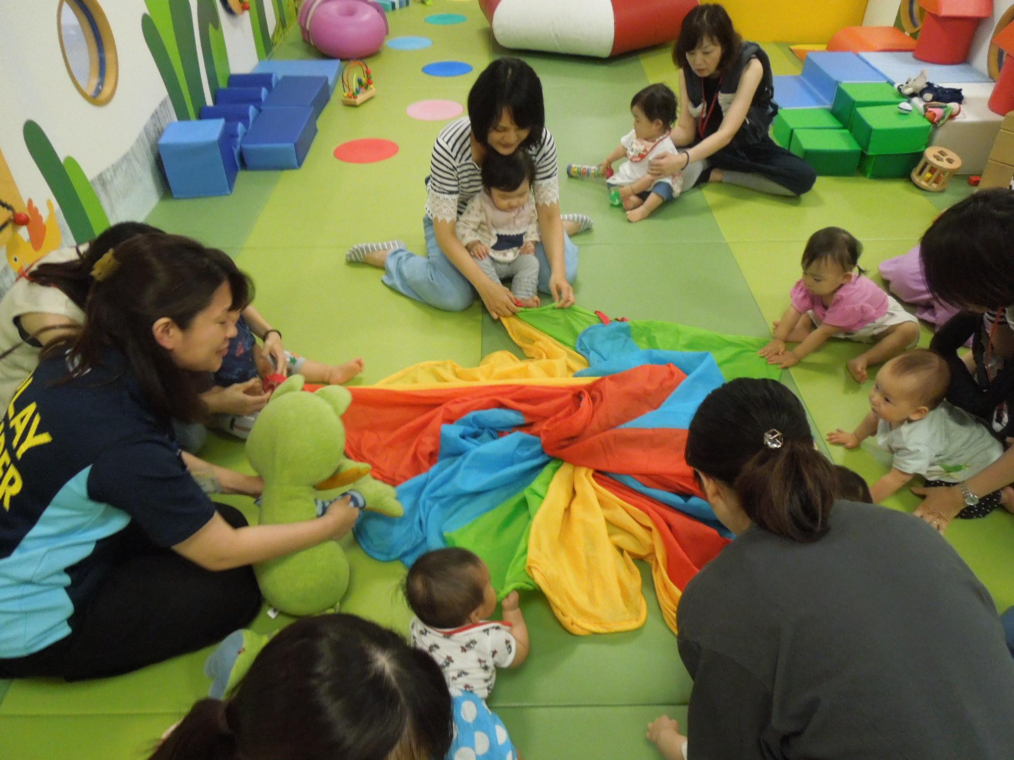 7/23(火) 赤ちゃんの日「布あそび」のご報告