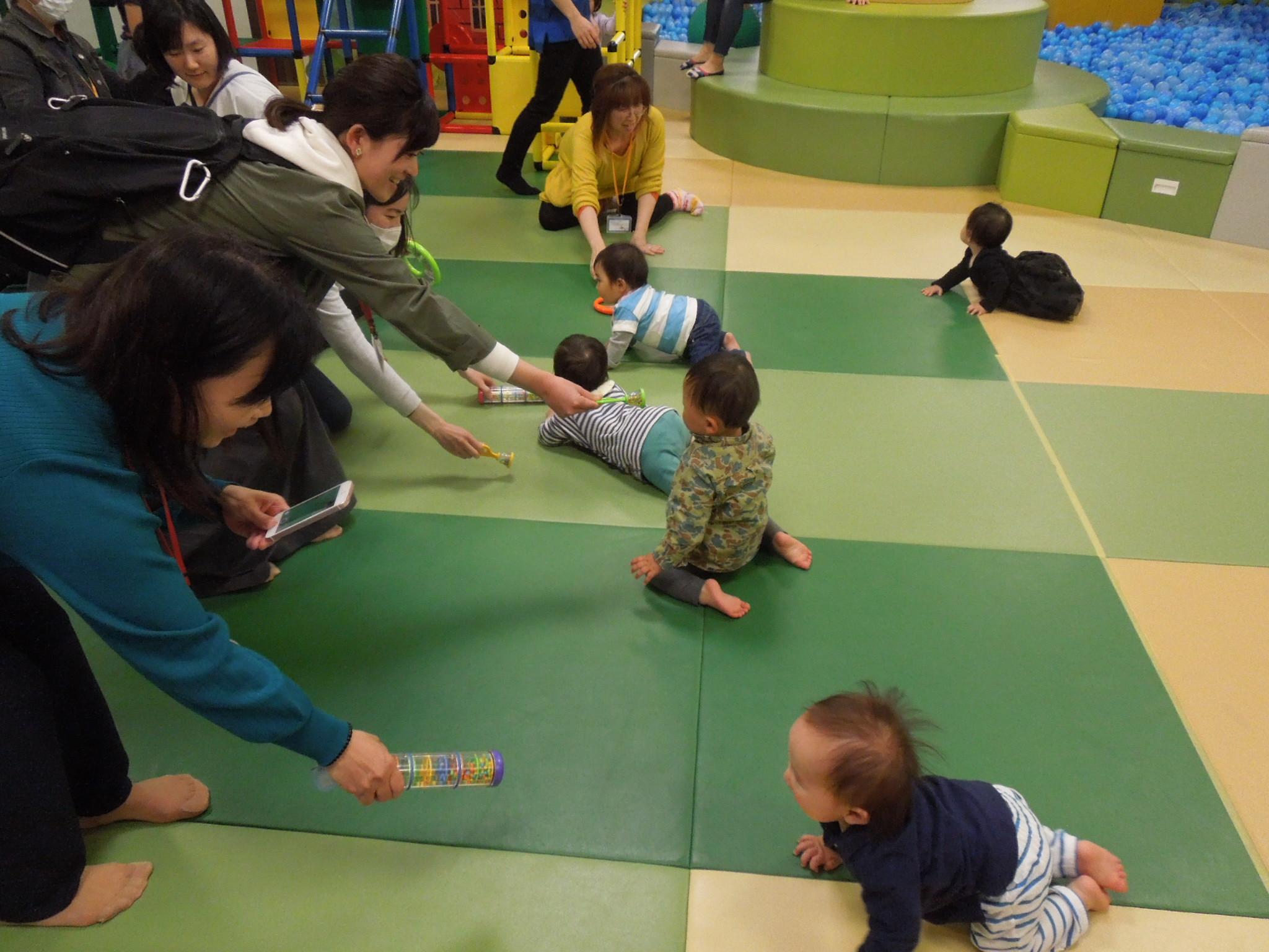 【火・木曜開催!赤ちゃんの日イベント】12/19(木)ハイハイレース