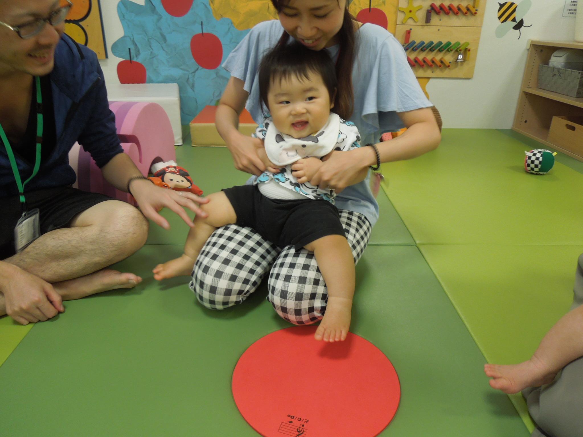 10/3(木)赤ちゃんの日「ハイハイレース」のご報告