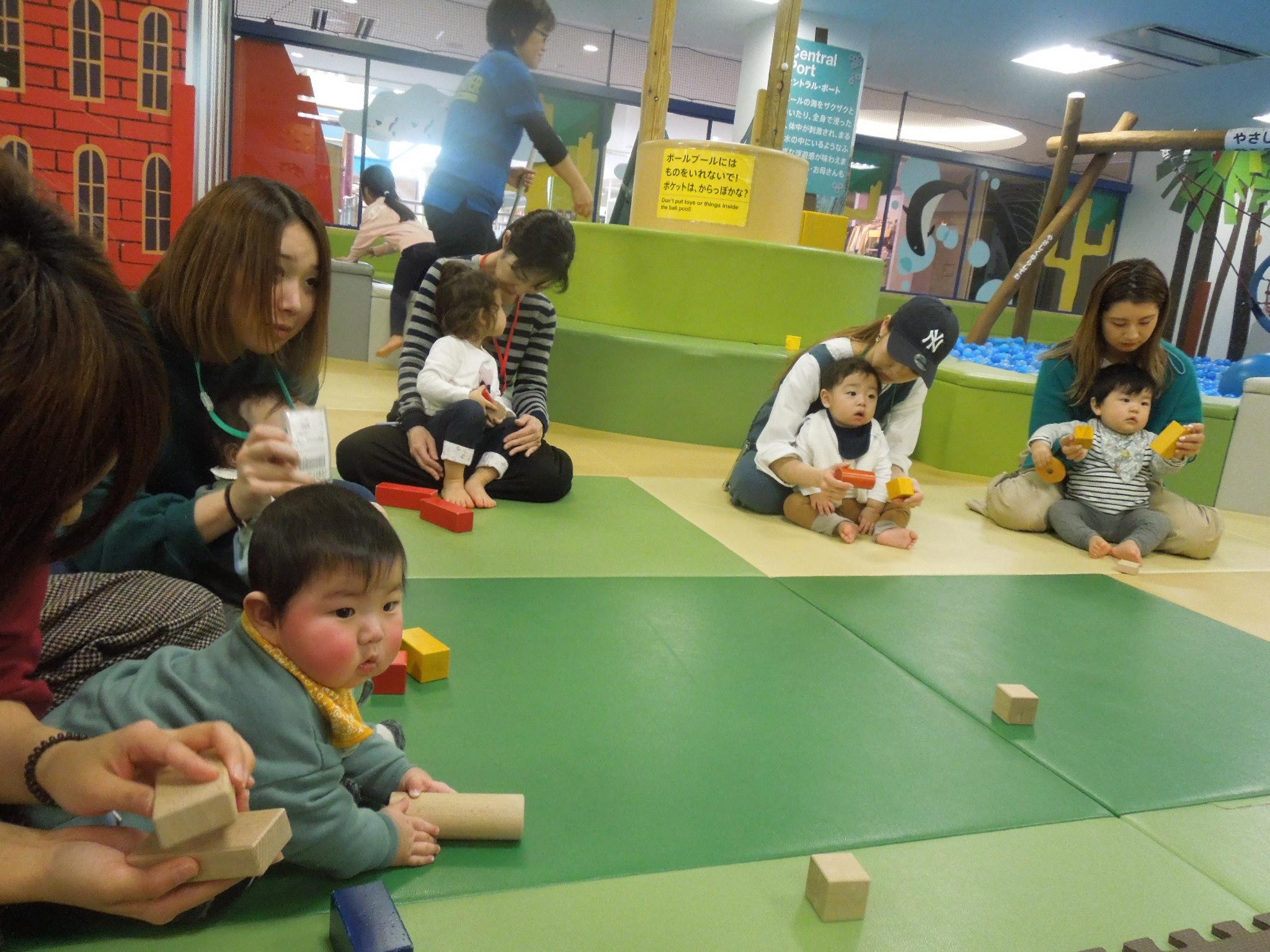 1/30(木)赤ちゃんの日イベント「手形あそび」のご報告