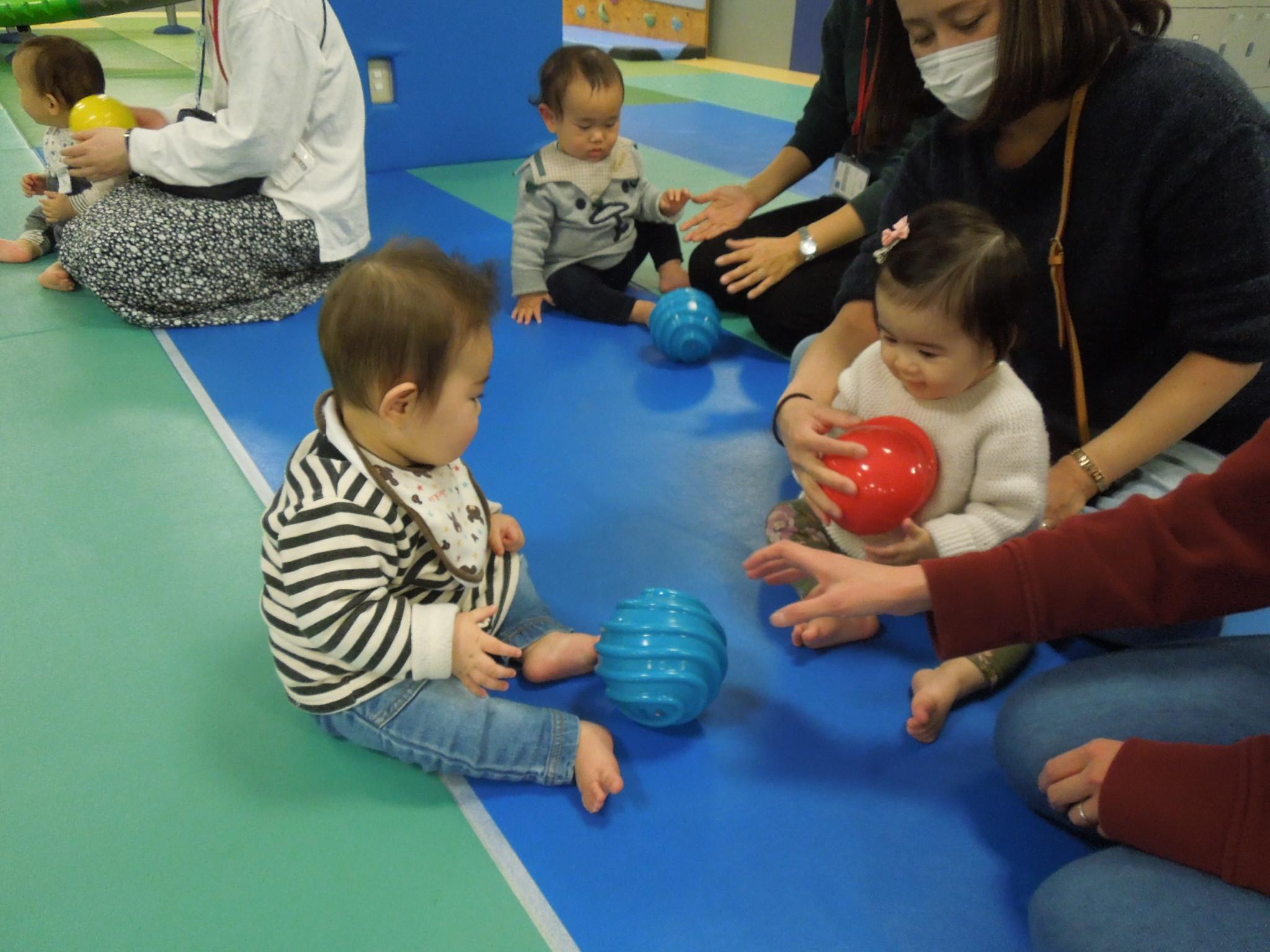 2月25日(火) 赤ちゃんの日イベント「遊具あそび」のご報告