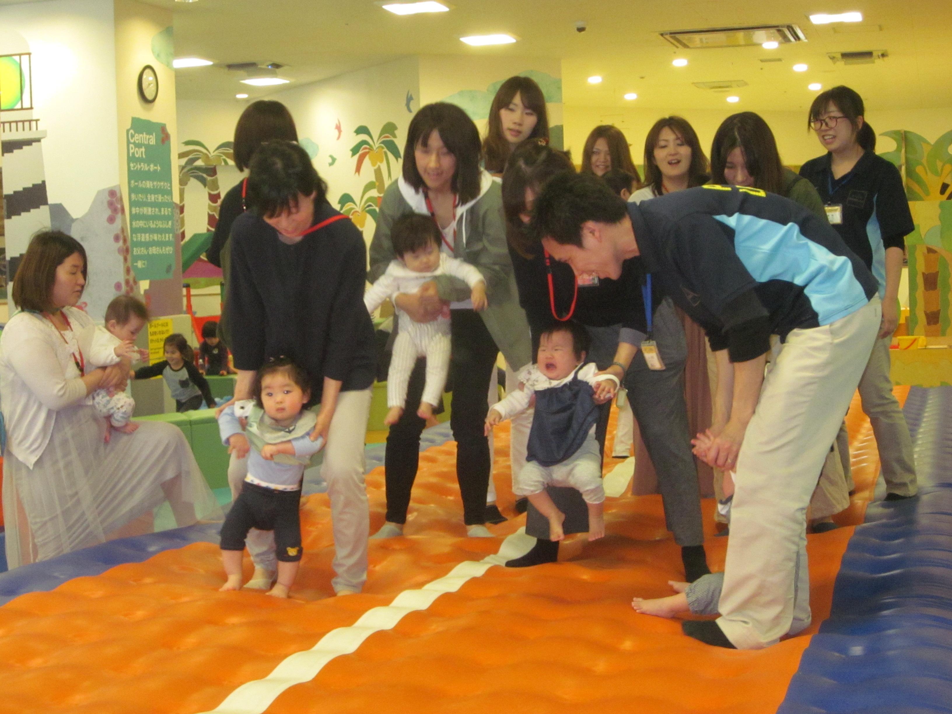 【木曜開催】赤ちゃんの日「エアトラックで赤ちゃんと遊ぼう!」