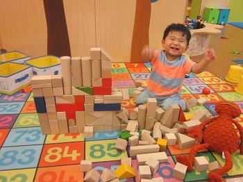 平日はたくさんの積み木で遊ぼう!【積み木増量中】