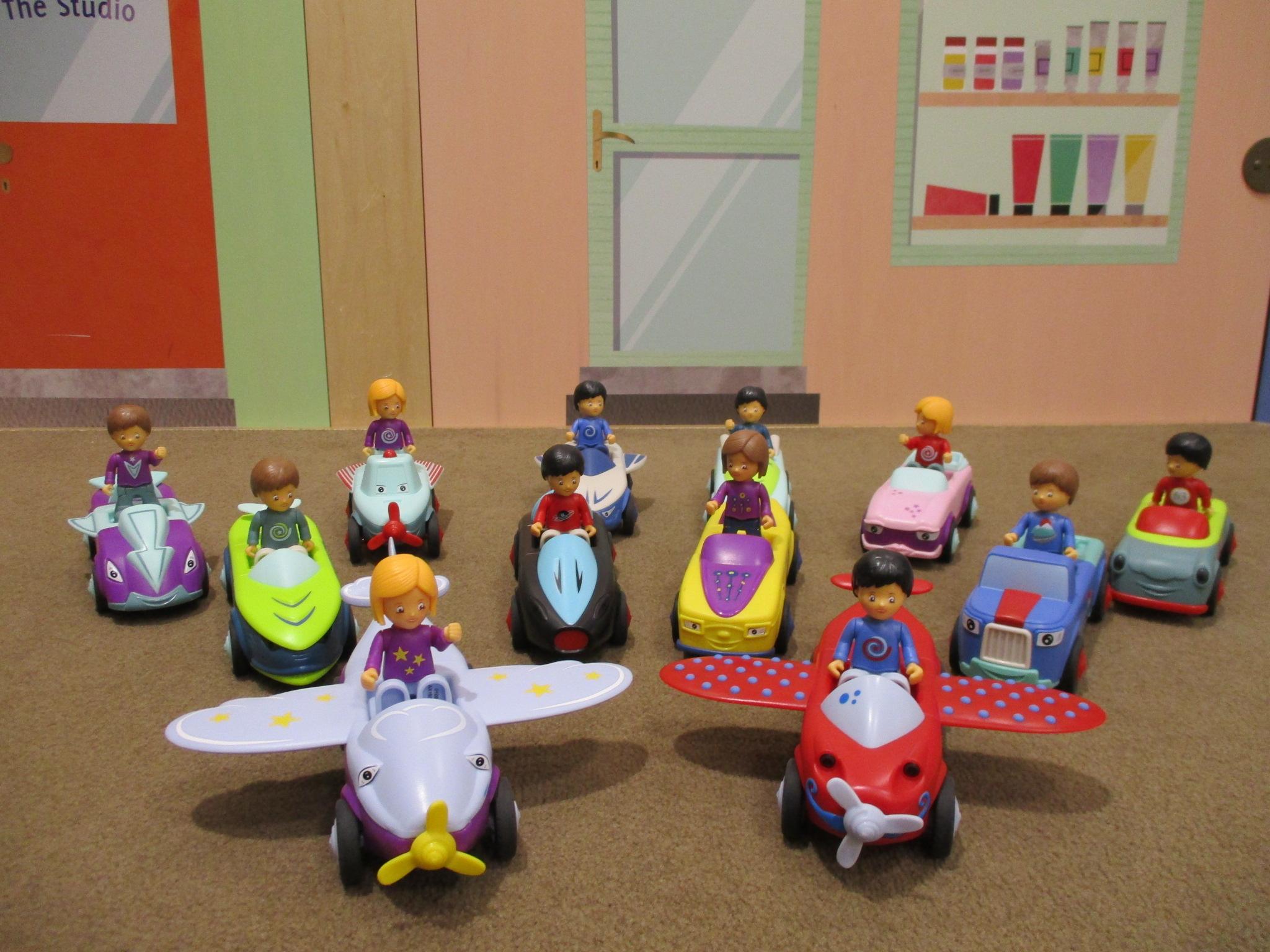 新しい遊具の紹介 クルマのあそび道具「Toddys(トディーズ)」