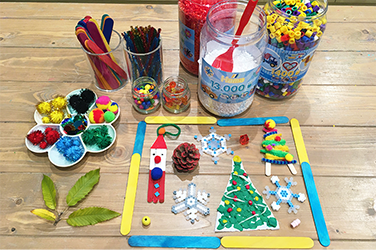 好きな材料を選んで作ろう 「クリスマスクラフトパーティー」