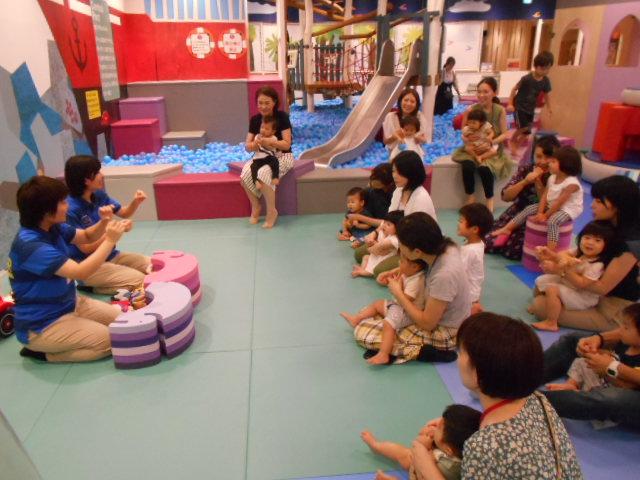 赤ちゃんイベント「絵本の読み聞かせ」を開催しました