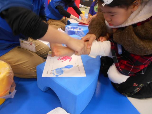 ♦赤ちゃんイベント どれだけ大きくなったかな?手形・足型成長記録を残そう♪