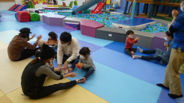 【11/11・11/13 イベント報告】親子で競争あそび・パラシュートであそぼう