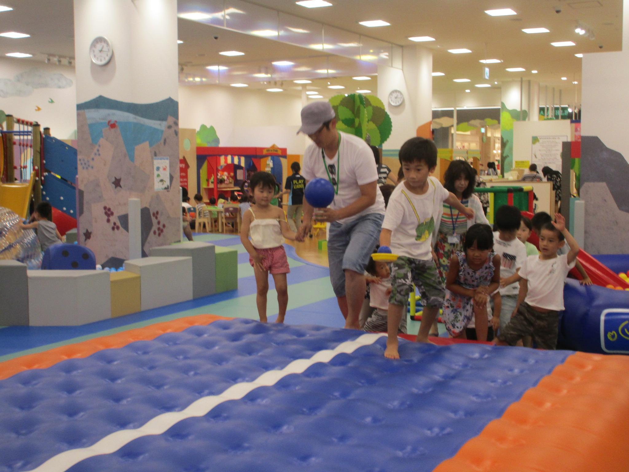 月曜日イベント「ボール運び競争」開催!