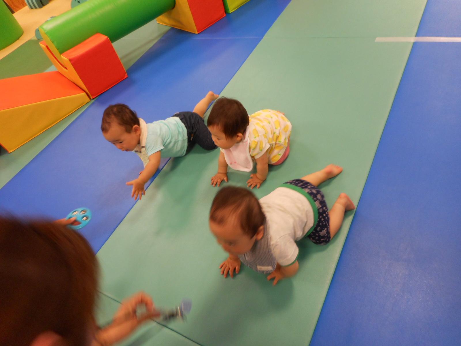 8月【赤ちゃんの日】ハイハイレース