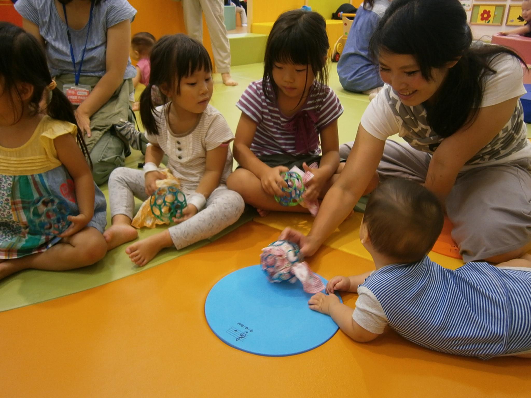 6/15(木)【ベビーイベント】赤ちゃんとボールあそび