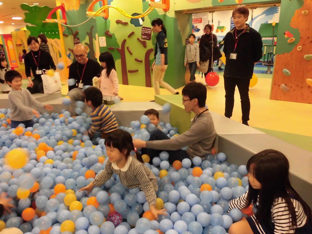 【土曜日はパパと一緒にあそぼう!】ボールあそびをしよう!