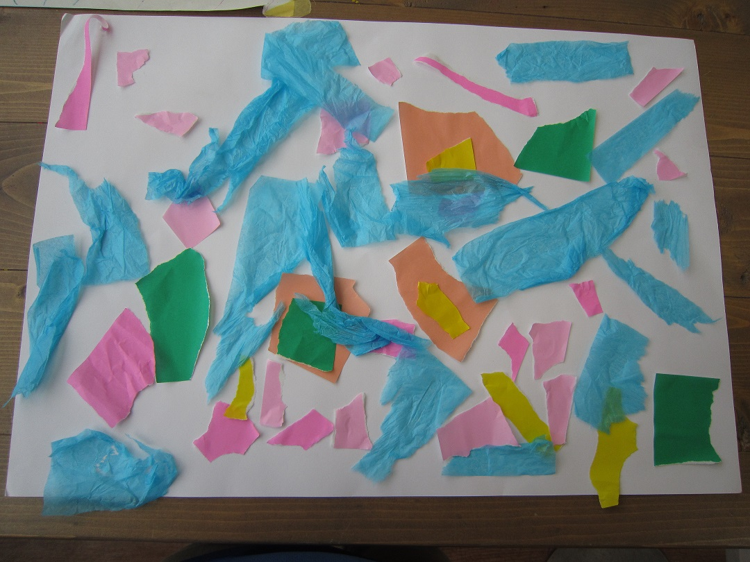 キッズアート「ちぎってパラパラ紙の雨を降らそう」