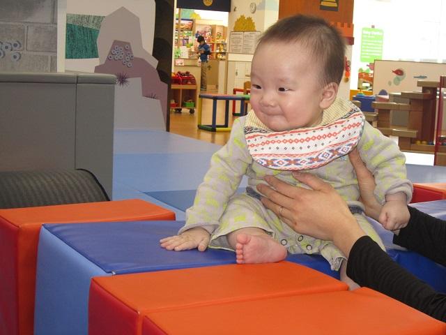 赤ちゃんの日のイベント「モジュールあそび」