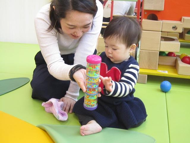 赤ちゃんの日のイベント「音あそび」