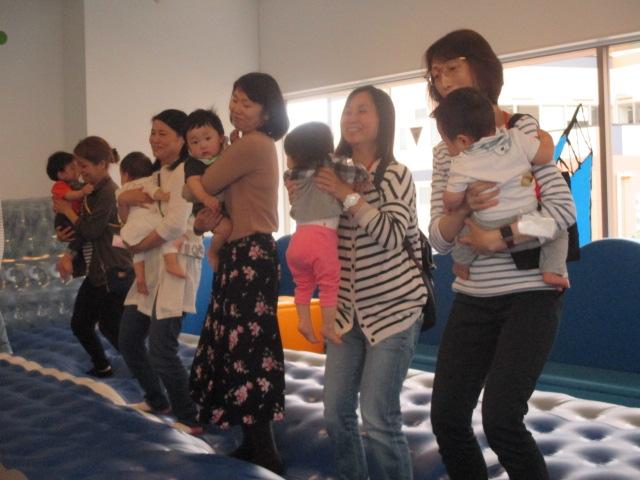 赤ちゃんの日イベント「エアトラック体験」