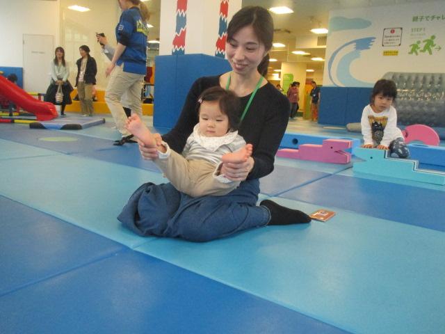4月5日 赤ちゃんの日イベント「障害物ハイハイレース」ご報告