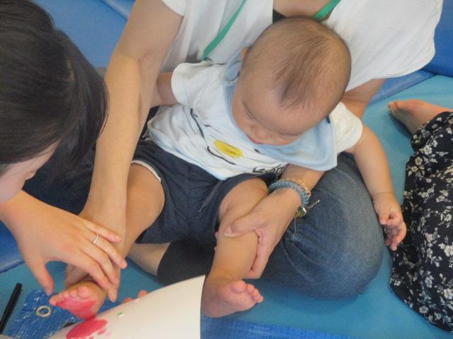 赤ちゃんの日「うちわ作り」