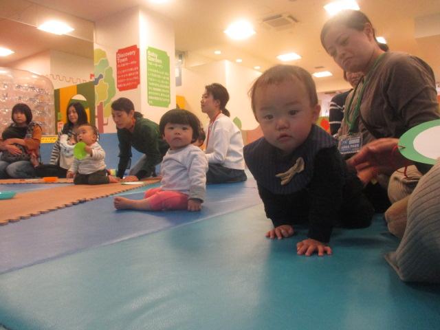 11月20日赤ちゃんの日イベント「クラフト ~クリスマスリース作り」のご報告