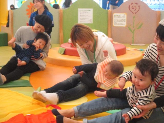 4月11日 赤ちゃんの日イベント「パラシュート」のご報告