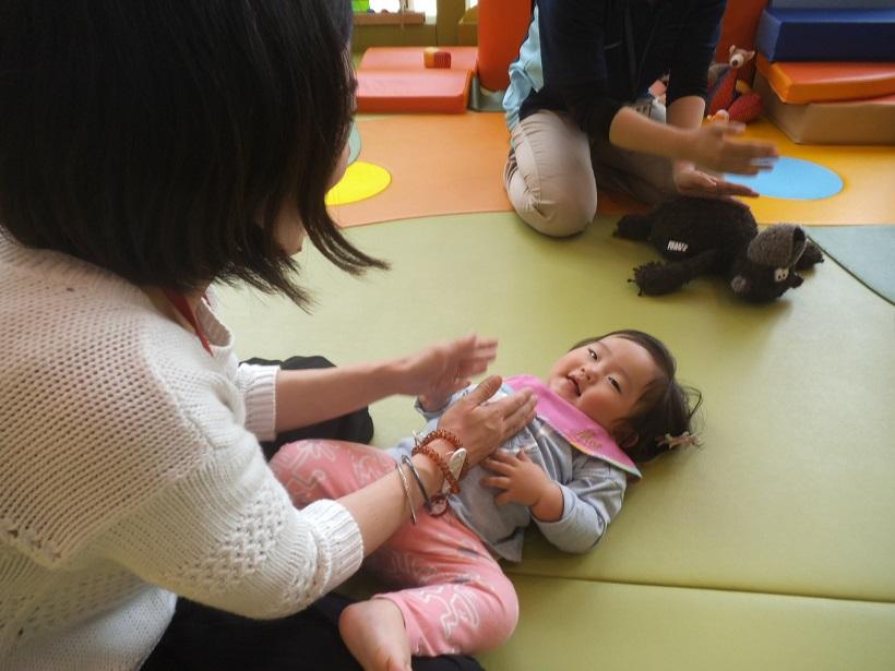 赤ちゃんの日「ふれあいあそび」