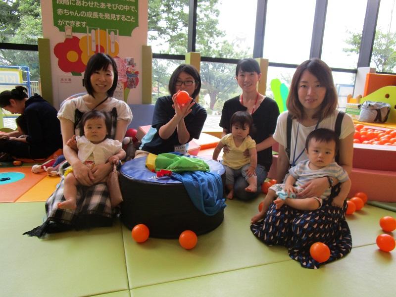 赤ちゃんイベント『ボール遊び』
