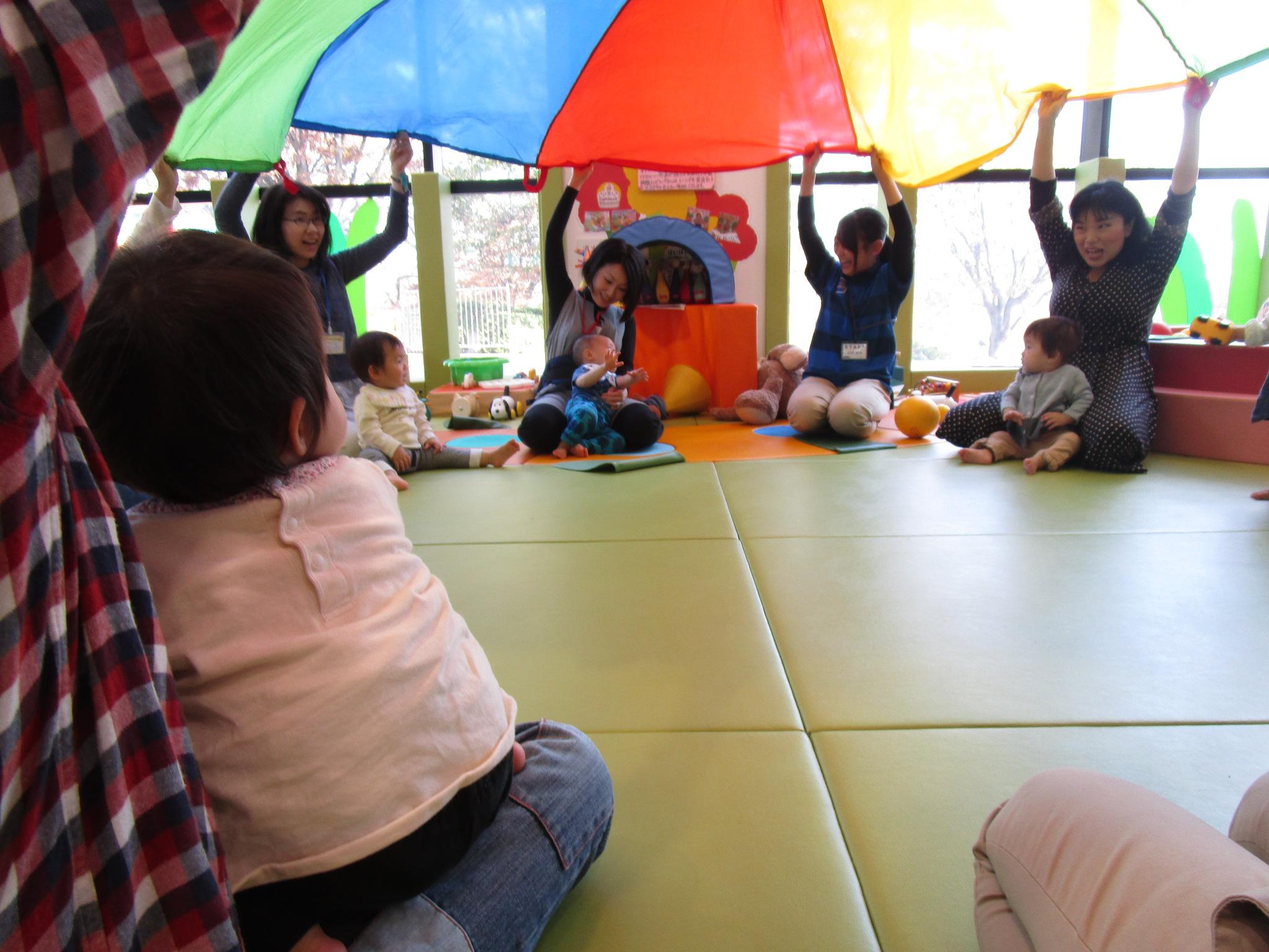 赤ちゃんイベント 『パラバルーンであそぼう』